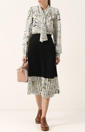 Женская шелковая блуза с принтом и воротником аскот Maison Margiela, цвет разноцветный, арт. S51NC0470/S48535 в ЦУМ | Фото №1