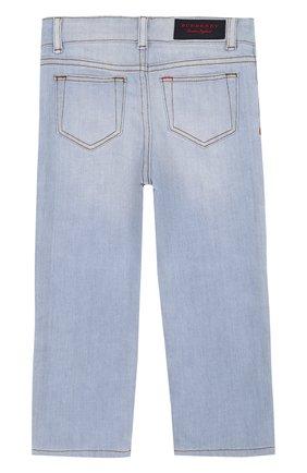 Детские джинсы с декоративными потертостями BURBERRY голубого цвета, арт. 4063497 | Фото 2