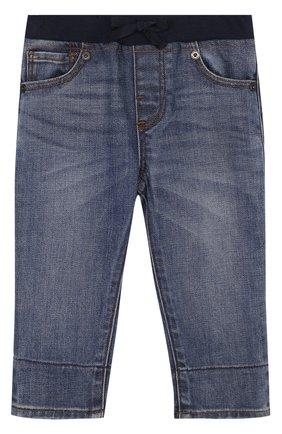 Детские джинсы с эластичной вставкой на поясе и прострочкой BURBERRY синего цвета, арт. 4063589 | Фото 1