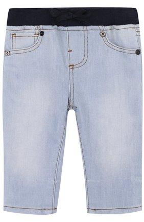 Детские джинсы с эластичной вставкой на поясе и прострочкой BURBERRY голубого цвета, арт. 4068599 | Фото 1