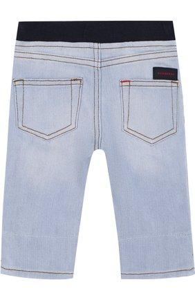 Детские джинсы с эластичной вставкой на поясе и прострочкой BURBERRY голубого цвета, арт. 4068599 | Фото 2