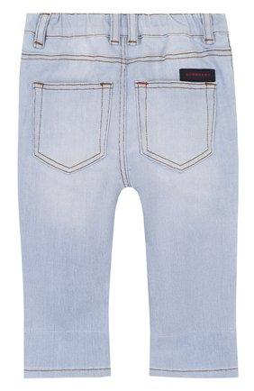 Детские джинсы с эластичной вставкой на поясе и прострочкой BURBERRY голубого цвета, арт. 4063588 | Фото 2