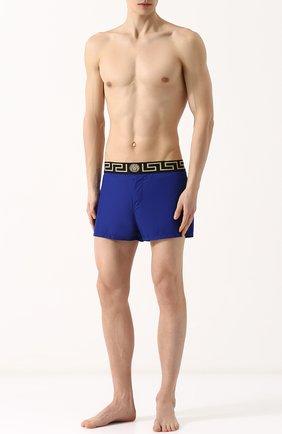 Мужские плавки-шорты с широкой резинкой VERSACE синего цвета, арт. ABU01004/AP00054 | Фото 2