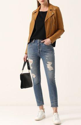 Приталенная кожаная куртка с косой молнией Yves Salomon светло-коричневая | Фото №1