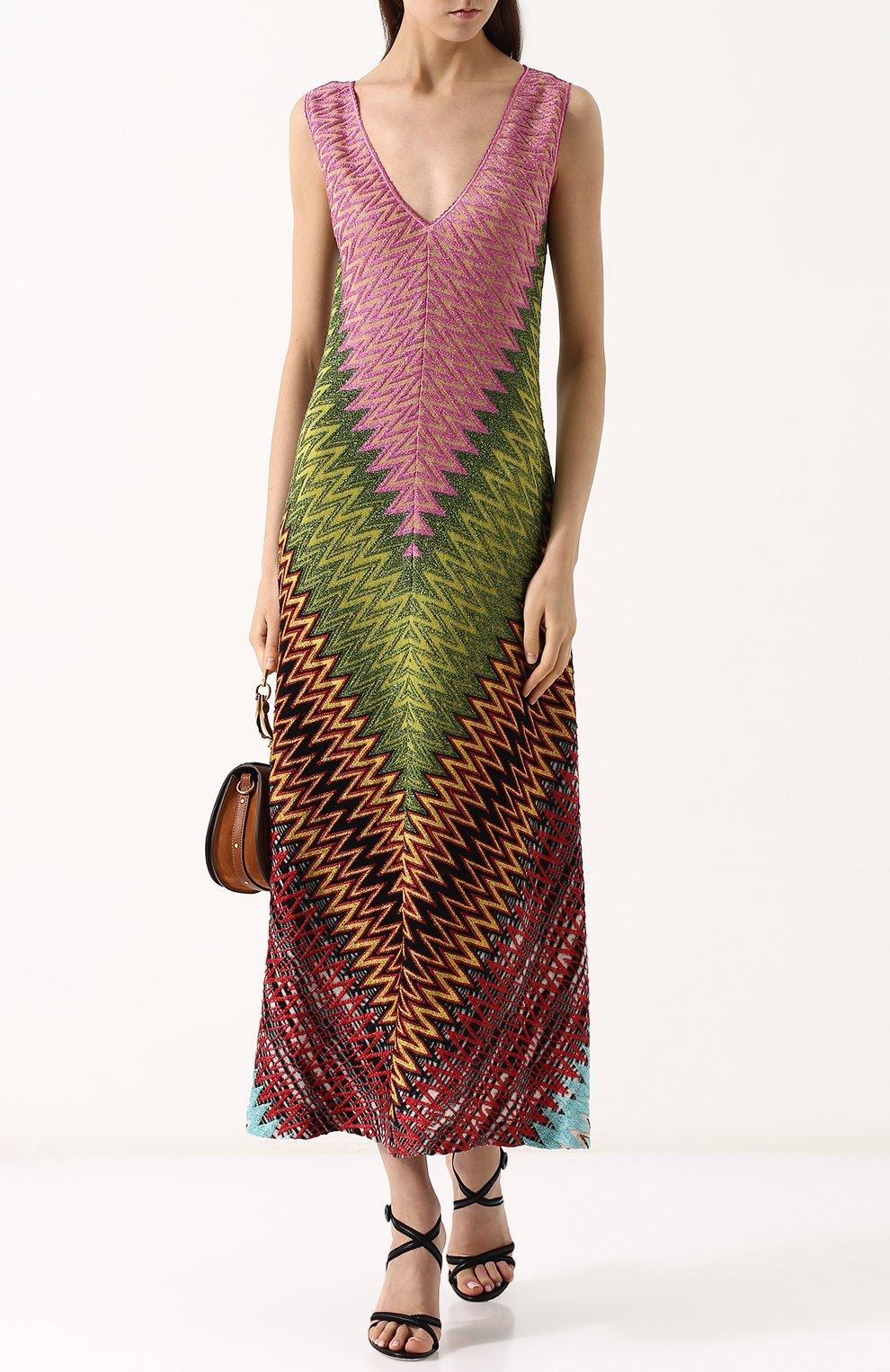 Приталенное вязаное платье-миди с V-образным вырезом | Фото №2