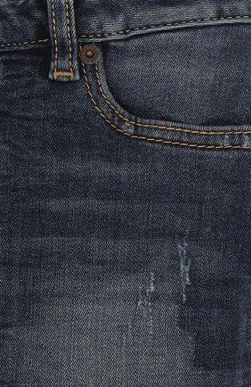 Джинсовая мини-юбка с декоративными потертостями | Фото №3