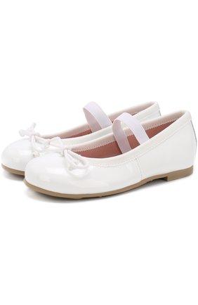 Детские лаковые туфли с бантами и перемычкой PRETTY BALLERINAS белого цвета, арт. 39.270/9.031/SHADE | Фото 1