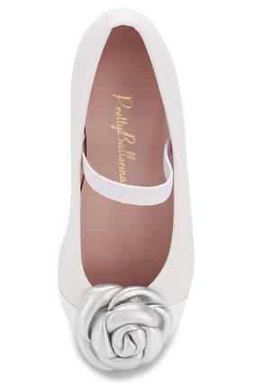 Детские кожаные балетки с цветочной аппликацией и перемычкой Pretty Ballerinas белого цвета | Фото №4