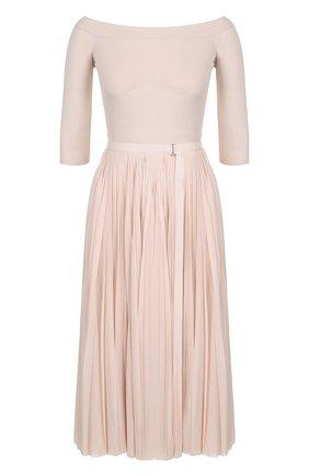 Приталенное вязаное платье с плиссированное юбкой