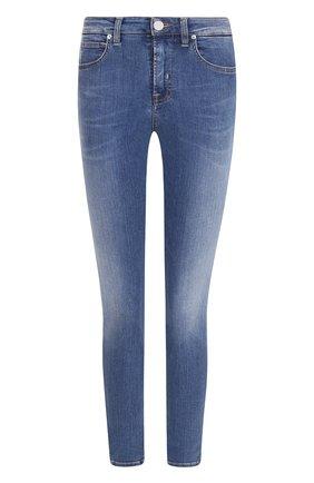 Укороченные джинсы-скинни с потертостями Two Women In The World голубые | Фото №1