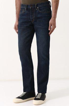Мужские джинсы прямого кроя с потертостями TOM FORD синего цвета, арт. BPJ21/TFD002 | Фото 3