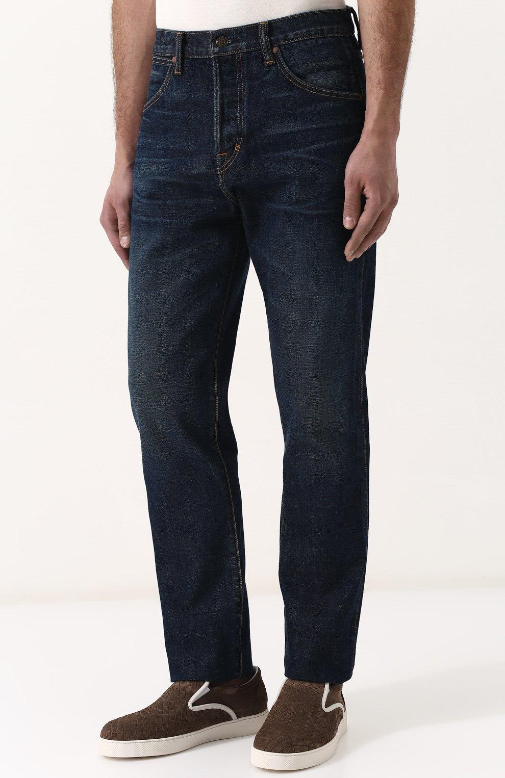Мужские джинсы прямого кроя с потертостями TOM FORD синего цвета, арт. BPJ21/TFD007   Фото 3