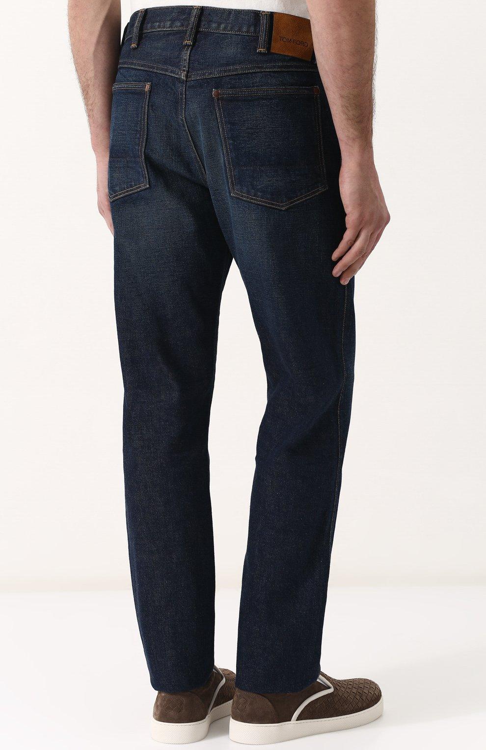 Мужские джинсы прямого кроя с потертостями TOM FORD синего цвета, арт. BPJ21/TFD007   Фото 4