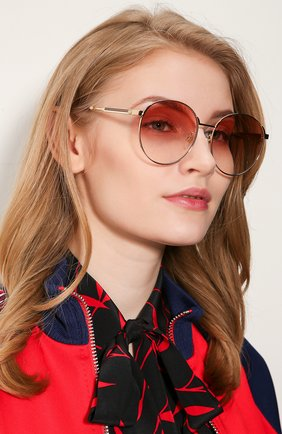 Женские солнцезащитные очки GUCCI красного цвета, арт. GG0206SK 004 | Фото 2