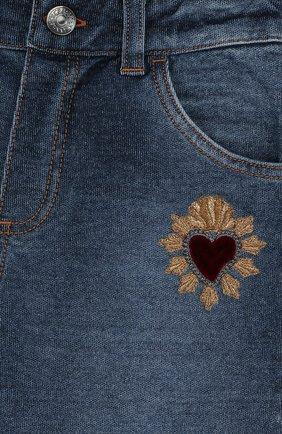 Детские джинсы с декоративными потертостями DOLCE & GABBANA синего цвета, арт. L1JPS8/G70B0 | Фото 3