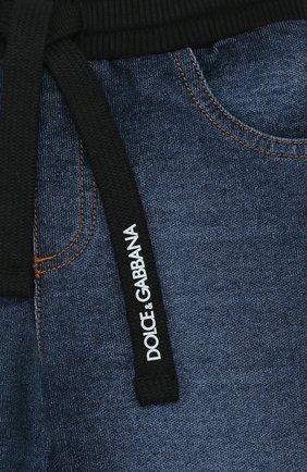 Детские джинсы с декоративными потертостями и эластичным поясом DOLCE & GABBANA синего цвета, арт. L1JPS5/G7MZB | Фото 3