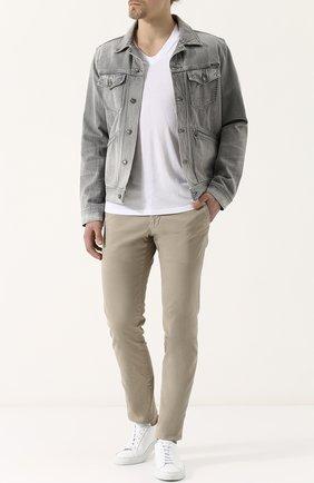 Мужская однотонная футболка с v-образным вырезом TOM FORD белого цвета, арт. BP229/TFJ915 | Фото 2