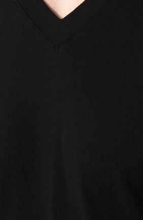 Мужская однотонная футболка с v-образным вырезом TOM FORD черного цвета, арт. BP229/TFJ915 | Фото 5
