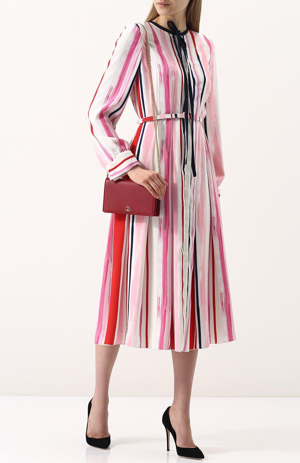 Женская сумка gg marmont mini GUCCI красного цвета, арт. 497985/CA00G | Фото 2