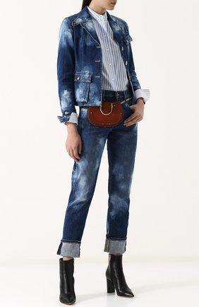 Приталенная джинсовая куртка с потертостями | Фото №2