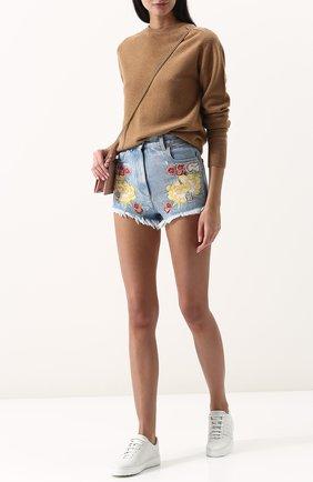 Женские джинсовые мини-шорты с контрастной вышивкой GUCCI голубого цвета, арт. 502779/XR959   Фото 2