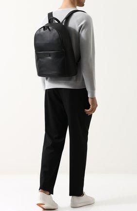 Мужской однотонный кожаный рюкзак GIORGIO ARMANI черного цвета, арт. Y20091/YDN1J   Фото 2