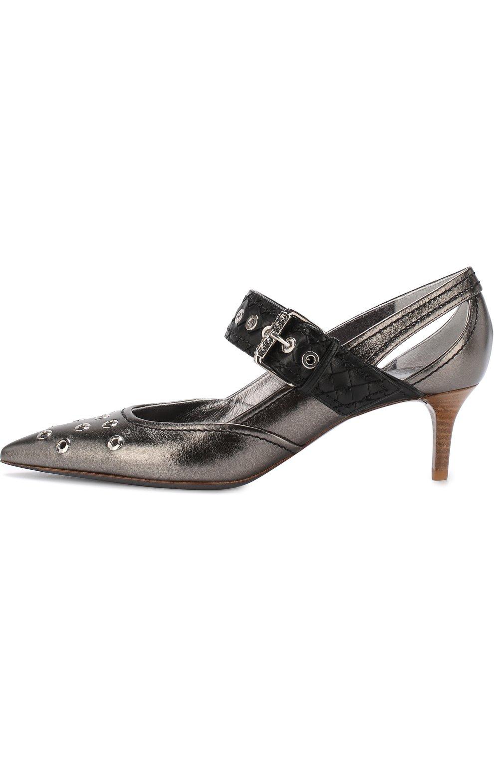 Женские туфли из металлизированной кожи на каблуке kitten heel BOTTEGA VENETA серебряного цвета, арт. 512136/VAVG6 | Фото 3