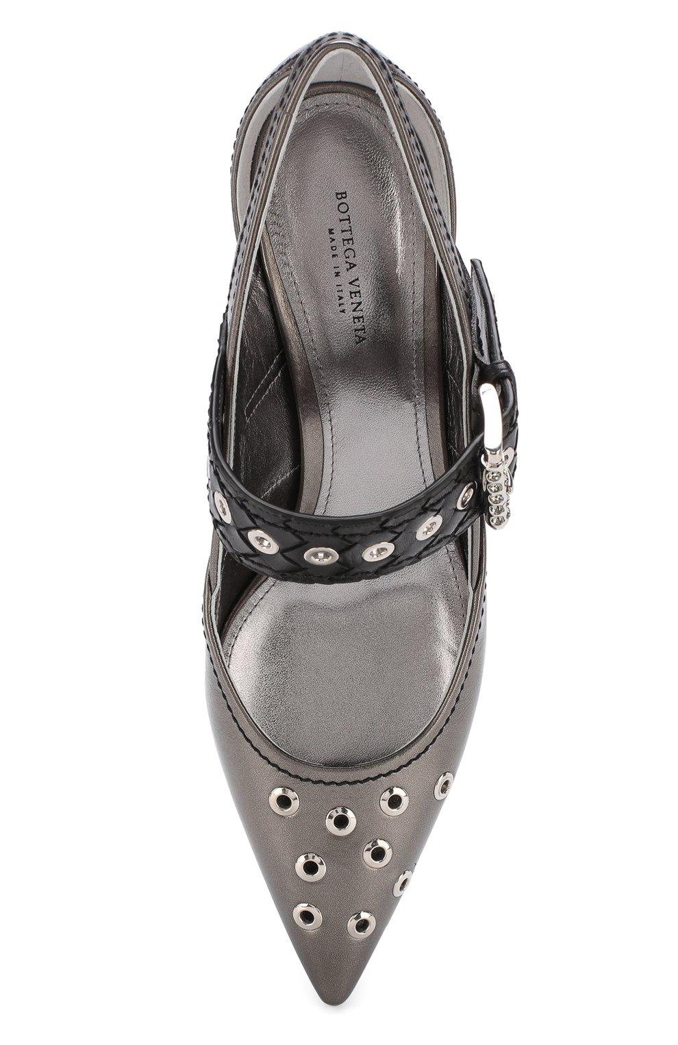 Женские туфли из металлизированной кожи на каблуке kitten heel BOTTEGA VENETA серебряного цвета, арт. 512136/VAVG6 | Фото 5