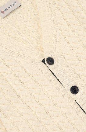 Детский кардиган джерси фактурной вязки на пуговицах MONCLER ENFANT белого цвета, арт. D1-951-94057-05-93273   Фото 3