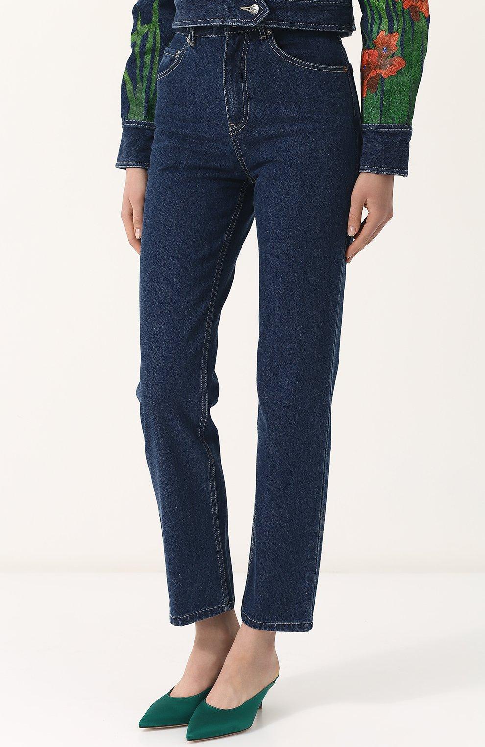 Укороченные джинсы прямого кроя | Фото №3