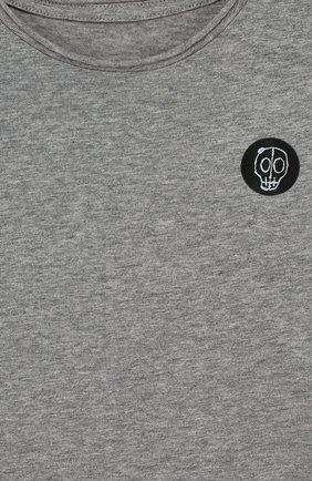 Детская хлопковая футболка с нашивкой NUNUNU серого цвета, арт. NU1706A | Фото 3