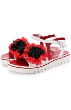 Кожаные сандалии на ремешке с цветочным декором | Фото №1
