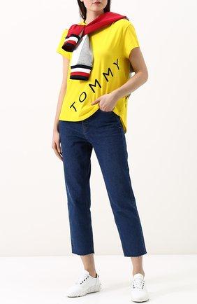Хлопковая футболка свободного кроя с круглым вырезом Tommy Hilfiger желтая | Фото №1