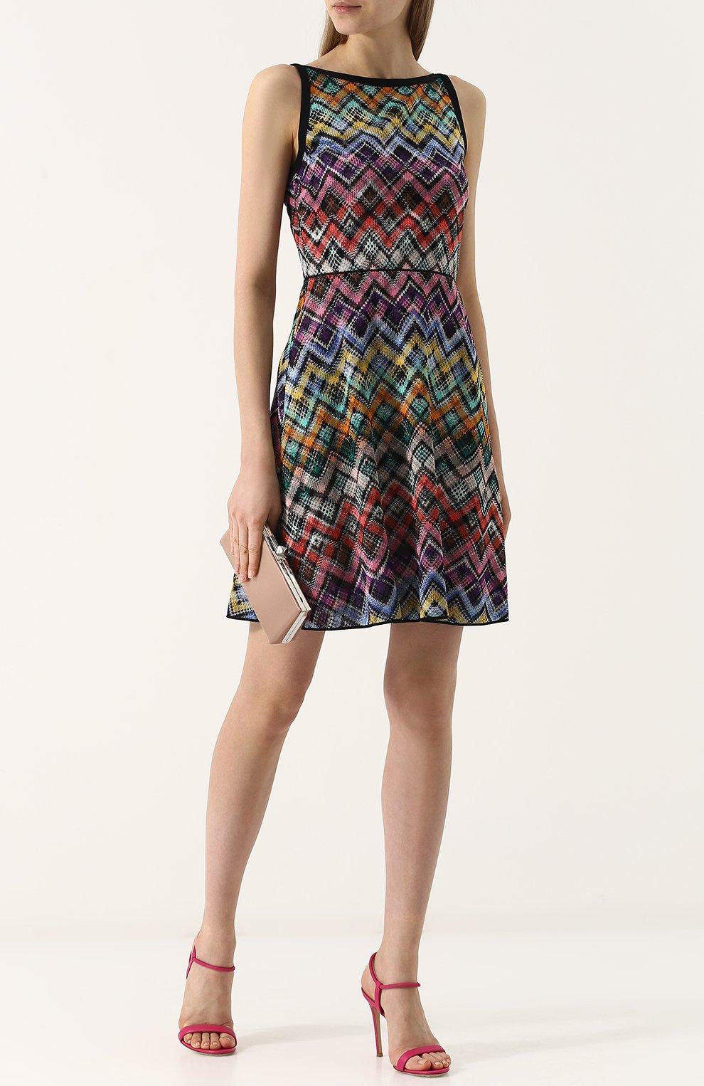 Вязаное мини-платье без рукавов | Фото №2