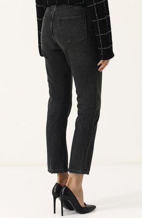 Женские укороченные джинсы прямого кроя с потертостями DENIM X ALEXANDER WANG серого цвета, арт. 4D994191BX | Фото 4