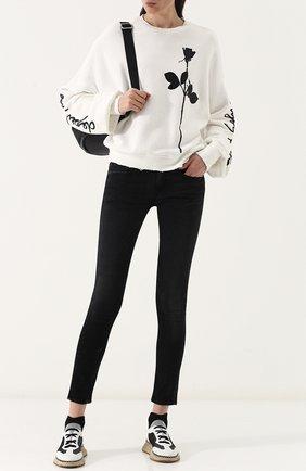 Укороченные джинсы-скинни с потертостями | Фото №2