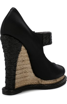 Женские текстильные туфли на танкетке BOTTEGA VENETA черного цвета, арт. 512139/VBFVU | Фото 4