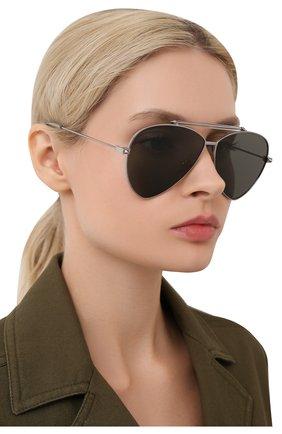 Женские солнцезащитные очки ALEXANDER MCQUEEN серебряного цвета, арт. AM0058 002   Фото 2 (Статус проверки: Проверена категория, Требуются правки; Тип очков: С/з; Очки форма: Авиаторы)