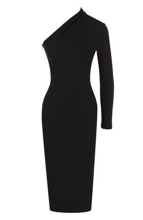 Приталенное платье-миди с открытым плечом Solace черное | Фото №1