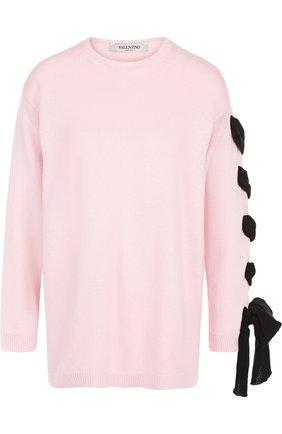 Однотонный пуловер свободного кроя с декорированной отделкой на рукаве   Фото №1
