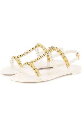 Резиновые сандалии Jelrose с заклепками Stuart Weitzman белые | Фото №1