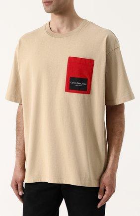 Хлопковая футболка свободного кроя Calvin Klein Jeans бежевая | Фото №3