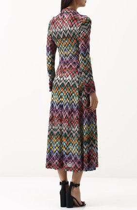 Приталенное вязаное платье-миди | Фото №4