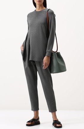 Однотонный пуловер асимметричного кроя с круглым вырезом Ruban серый | Фото №1