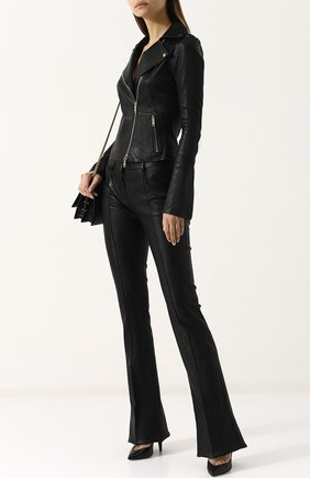 Приталенная кожаная куртка с косой молнией | Фото №2