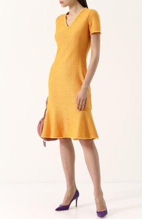 Однотонное платье с V-образным вырезом и бахромой St. John желтое | Фото №1