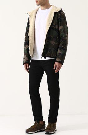Мужская куртка на молнии с камуфляжным принтом и меховой подстежкой VALENTINO хаки цвета, арт. QV3NA00KJZK   Фото 2