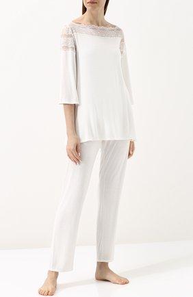 Однотонная пижама с кружевной отделкой | Фото №1