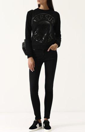 Хлопковый пуловер с круглым вырезом и логотипом бренда Versus Versace черный   Фото №1