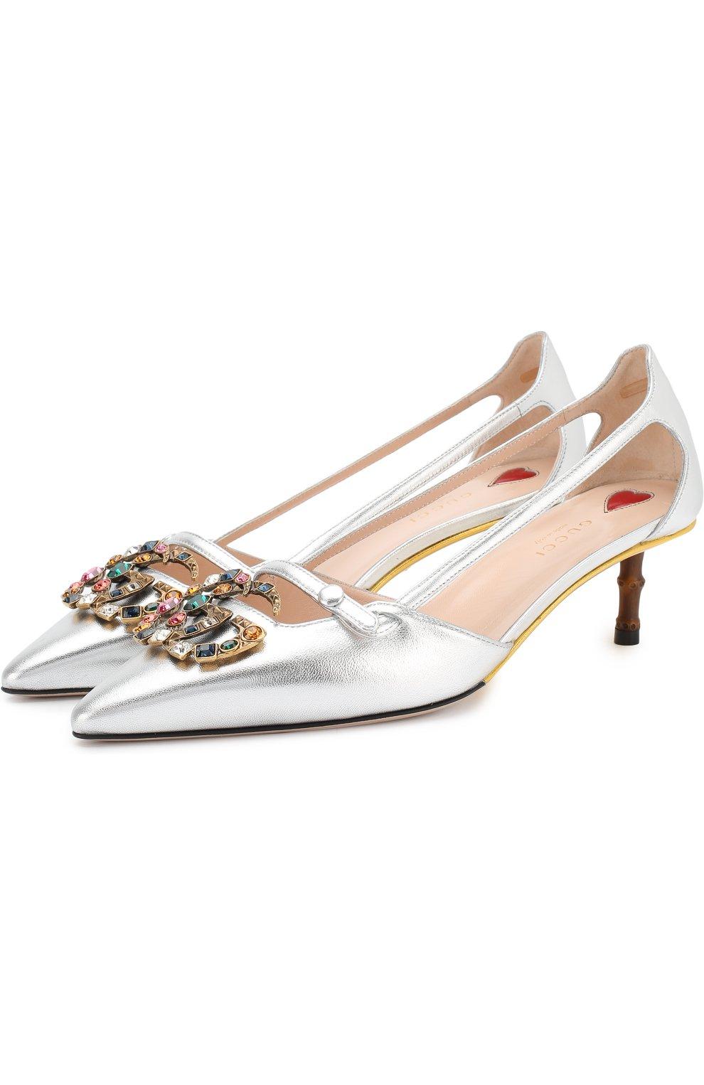 Женские туфли из металлизированной кожи на каблуке kitten heel GUCCI серебряного цвета, арт. 519918/B8B00 | Фото 1